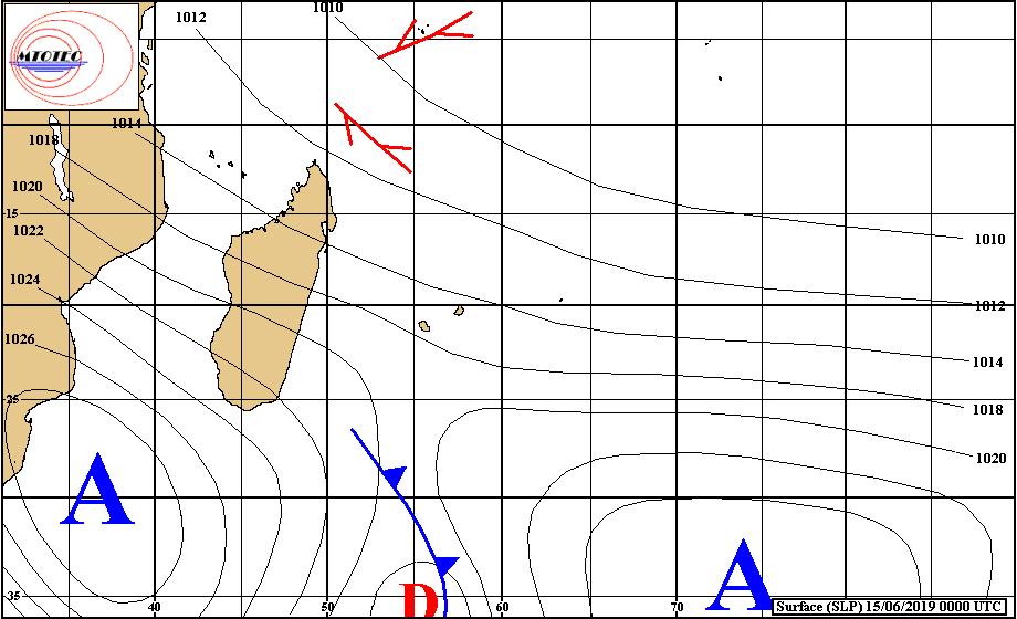 Analyse de la situation de surface ce matin. Un nouvel anticyclone(1028hpa) est situé au large des côtes africaines. MTOTEC