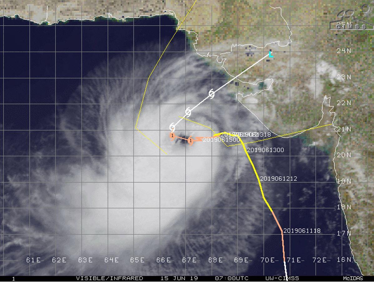 Prévision de la trajectoire et de l'intensité ces prochaines 72heures. JTWC