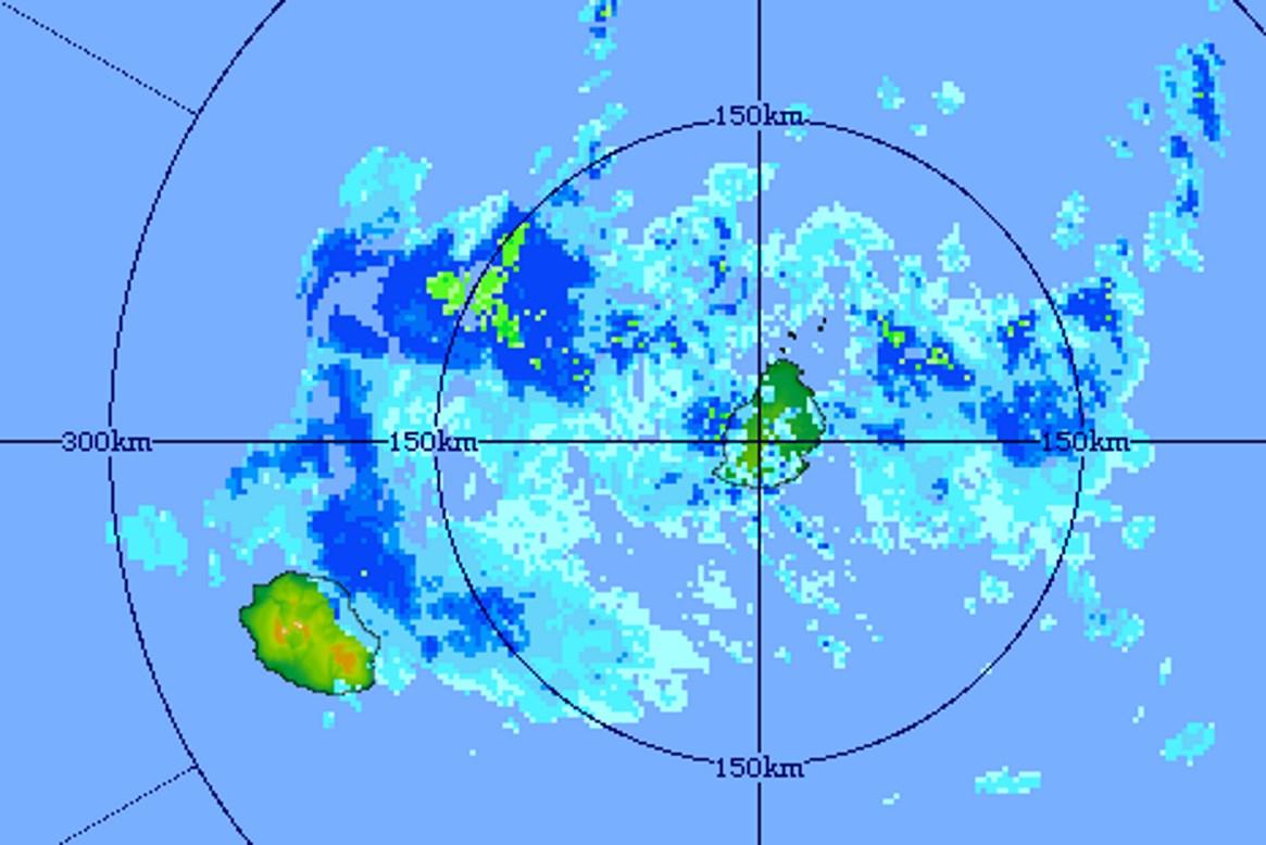 12h51: le radar de Trou Aux Cerfs montre que le risque pluvieux est à nouveau à la hausse pour les deux îles cet après midi. MMS