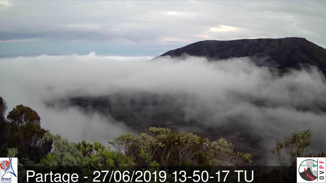 17h50: conditions enfin plus clémentes sur le volcan en cette fin d'après midi. METEO REUNION