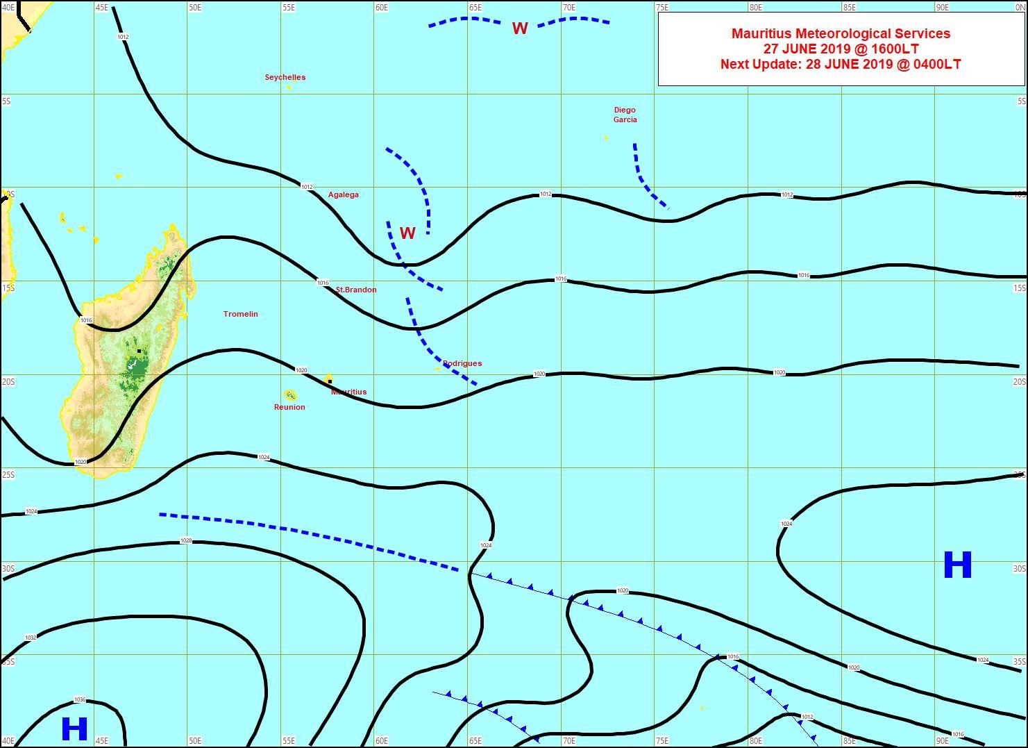 Analyse de la situation de surface cet après midi. L'anticyclone va se positionner au sud des Mascareignes d'où le renforcement du vent. MMS