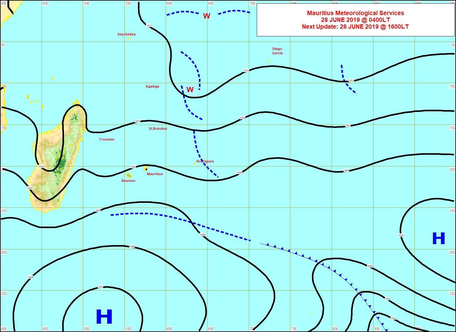 Analyse de la situation de surface. L'anticyclone(1037hpa) au sud de nos îles a renforcé le vent. MMS