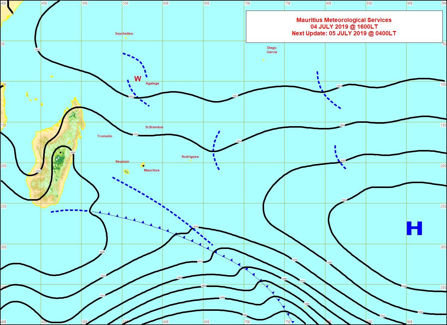 Analyse de la situation de surface cet après midi. La limite frontale est dans le voisinage Sud-Ouest de la REUNION. Un peu d'instabilité prévue pour RODRIGUES et AGALEGA. MMS