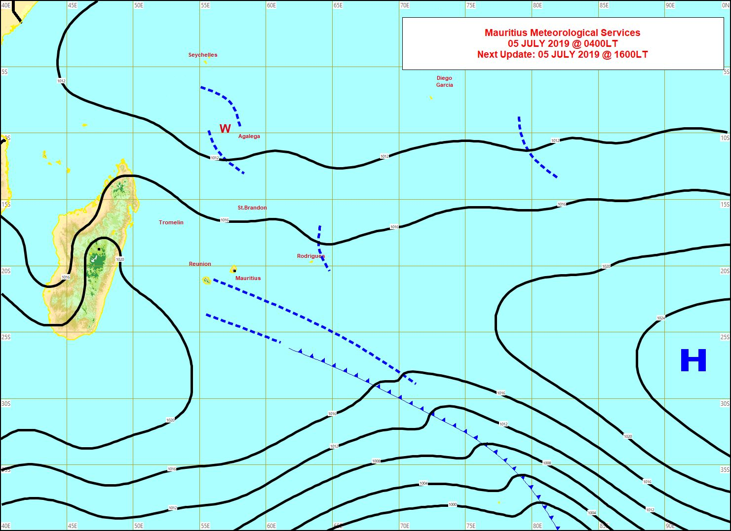 Analyse de la situation de surface ce matin. La limite frontale résiduelle(pointillés) passe inaperçue à proximité des Iles Soeurs. Un peu d'instabilité près de Rodrigues et d'Agaléga. MMS
