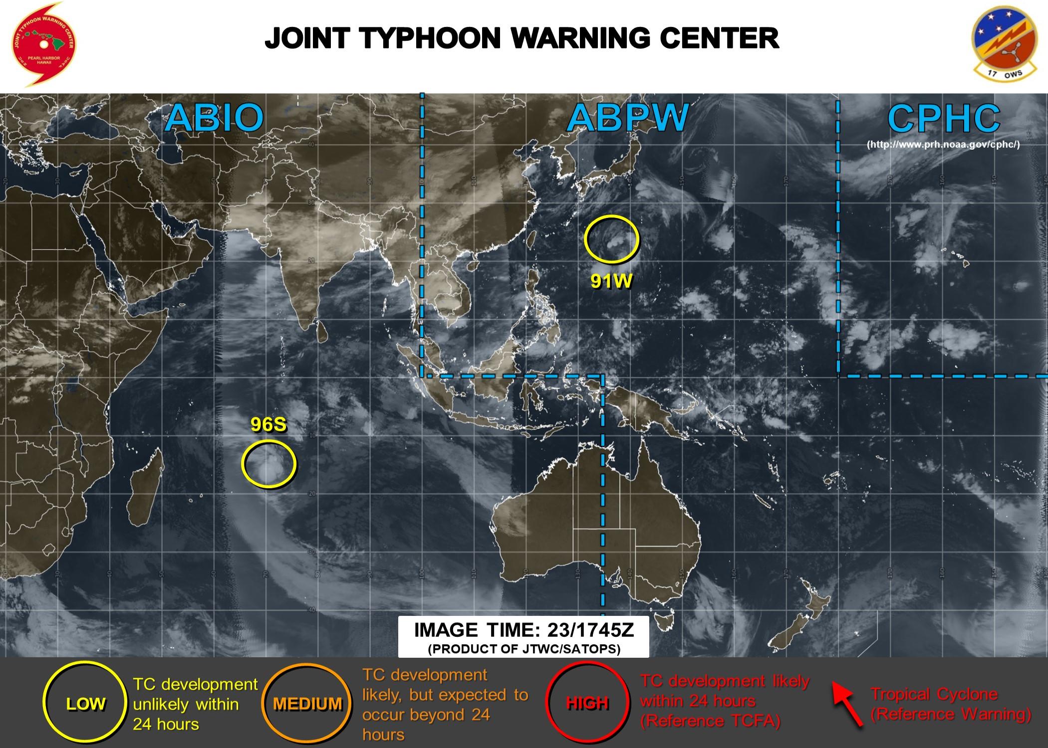 """Le système 96S est actuellement classé en """"LOW"""" par le JTWC: les chances de le voir se développer en dépression tropicale étant estimées faibles en fin d'après midi."""