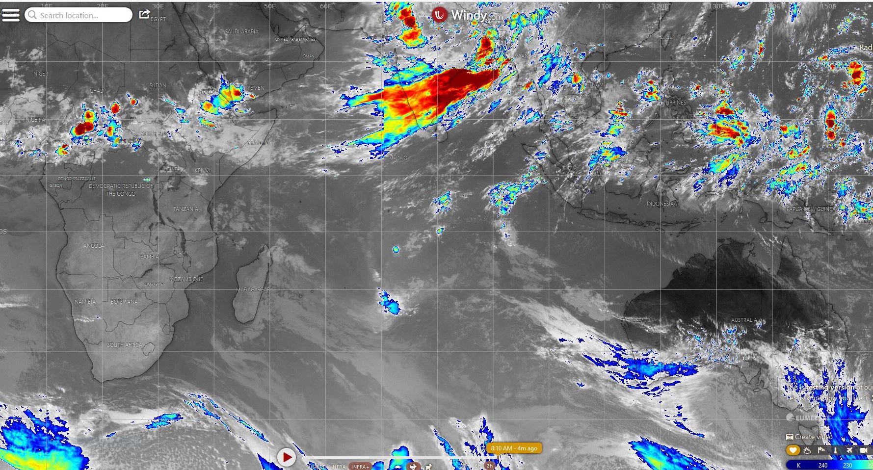 Satellites à 8heures. Composite de l'Océan Indien et du Pacifique. La mousson est active sur la péninsule indienne.