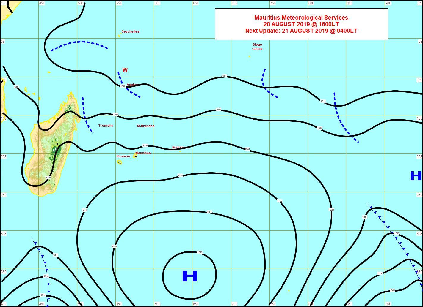 Analyse de surface de cet après midi. L'anticyclone est déjà au Sud Sud-Est des Iles Soeurs. Mercredi l'alizé faiblit sur la Réunion et fait une pause Jeudi mais revient modérément Vendredi. MMS