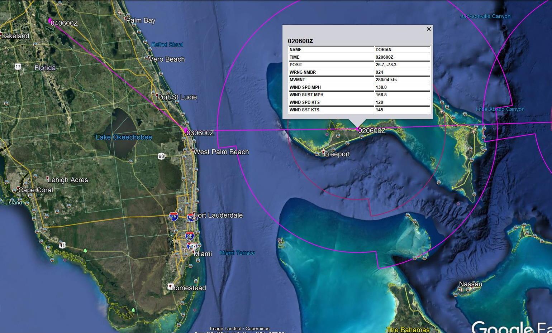 Zoom sur la trajectoire prévue à proximité des côtes de la Floride. Atterrage de l'oeil pour le moment prévu à un peu plus de 100km au Nord de Miami Mardi matin heure des Mascareignes. Le point précis de l'impacte reste encore incertain 4 jours à l'avance. US NAVY