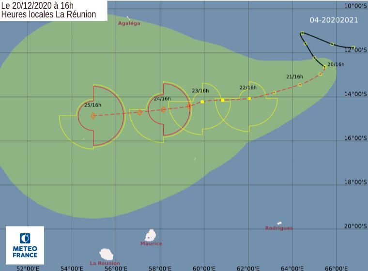 Premières prévisions de trajectoire et d'intensité pour 95S émisent par Météo France Réunion ce Dimanche à 16heures. CMRS/RÉUNION.