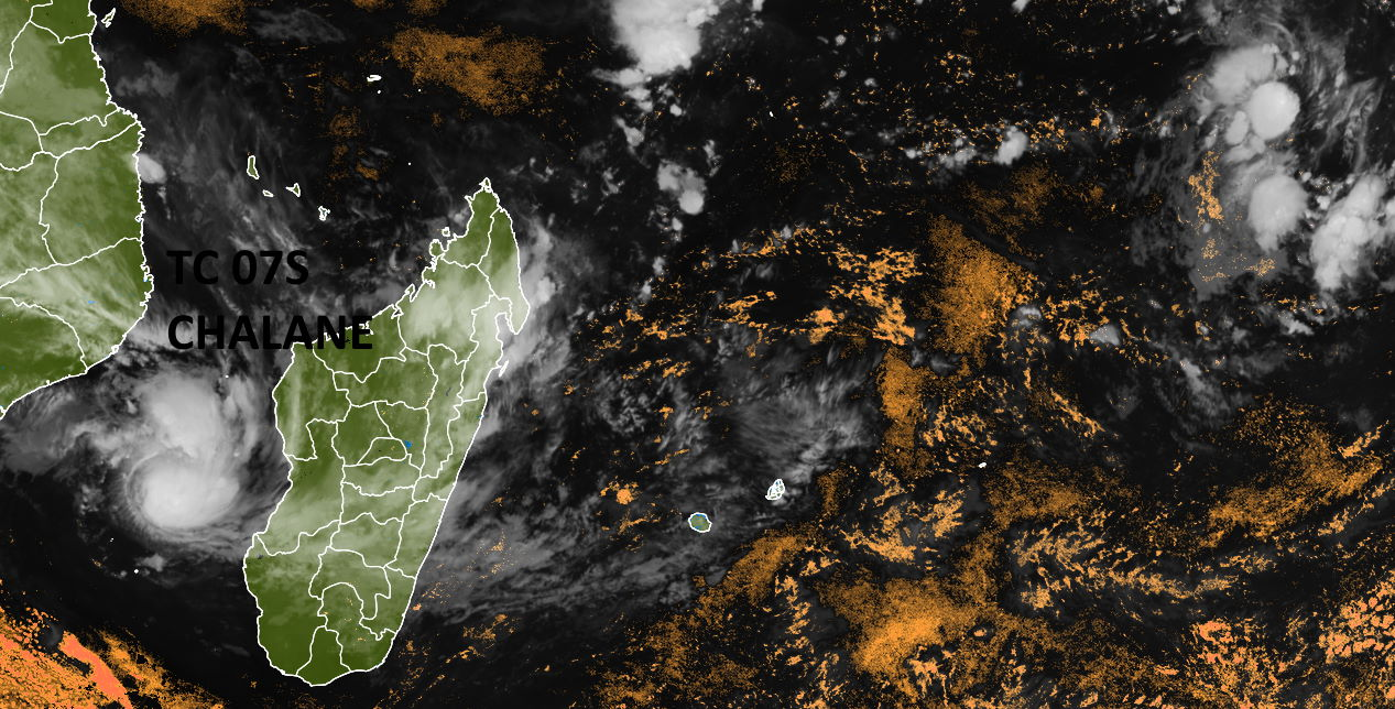 28/2230UTC. TC 07S OVER THE CHANNEL AND INVEST 96S NEAR THE CHAGOS. ENHANCED BY PH.