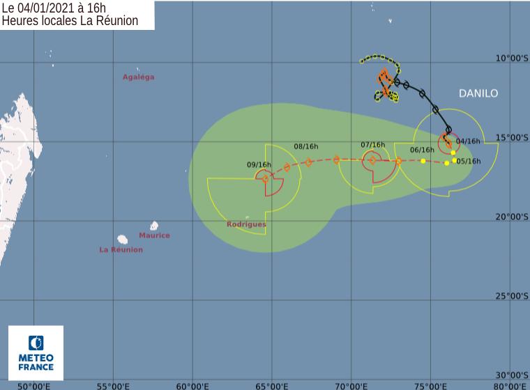 Prévisions de trajectoire et d'intensité pour DANILO émises à 16heures ce Lundi par le Centre Spécialisé Cyclone de la Réunion.Une forte incertitude persiste sur le potentiel d'intensification du phénomène une fois qu'il aura redressé en direction de l'Ouest. CMRS.
