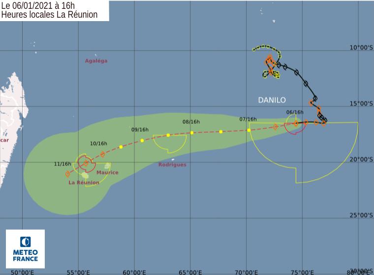 Prévisions de trajectoire et d'intensité émises par le Centre Spécialisé Cyclone de la Réunion à 16heures ce Mercredi. Le passage de DANILO à proximité des ILES SOEURS Dimanche et Lundi est probable. Une forte incertitude persiste quant à l'intensité réelle du phénomène à ce moment là. CMRS.