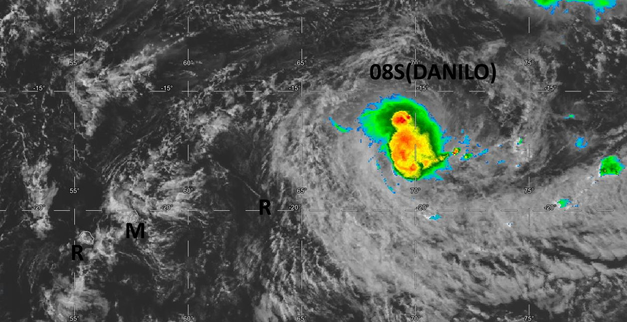 07/11UTC. DEEP CONVECTION APPEARS TO BE MORE STABLE NOW NEAR THE LOW LEVEL CENTER. LOW LEVEL BANDS ARE CLOSE TO RODRIGUES ISLAND.
