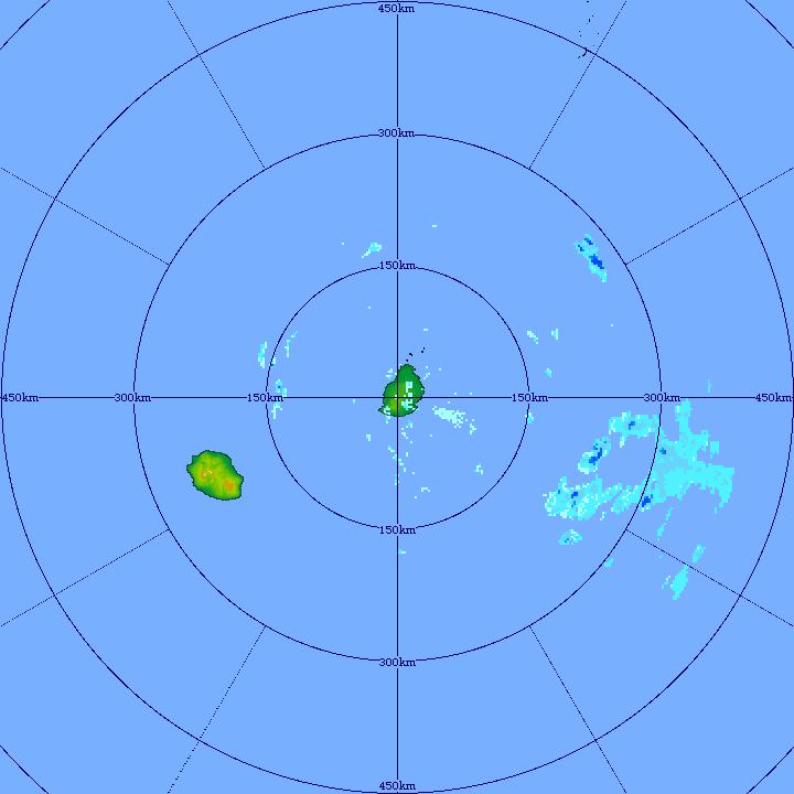 Le radar de TAC montre des cellules pluvieuses modérément actives à moins de 300km de MAURICE en ce début de soirée de Dimanche. MMS/Vacoas.