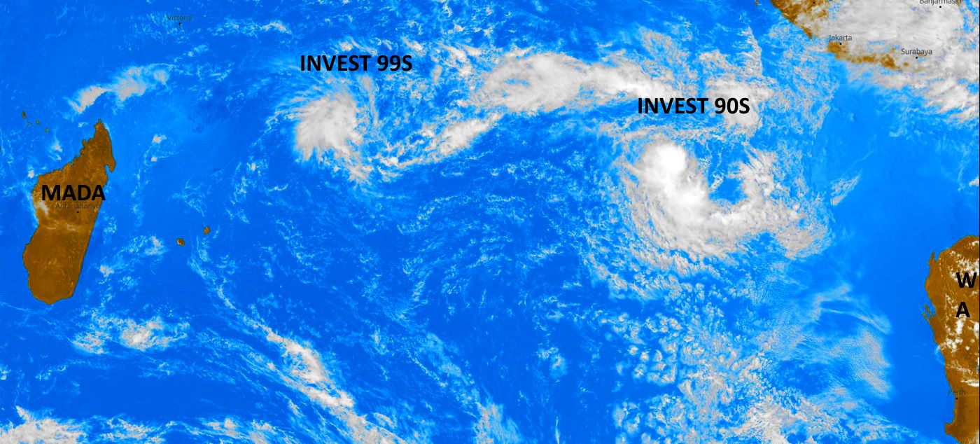 15/08UTC. THE TWO CENTERS  ARE 2680KM APART.