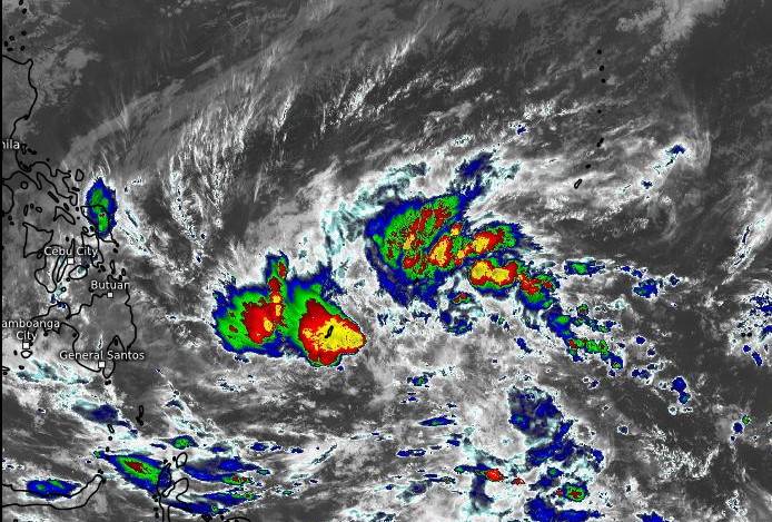 INVEST 91W. 16/1710UTC. ANIMATED ENHANCED INFRARED (EIR)  SATELLITE IMAGERY AND A 160927Z SSMIS 91GHZ SATELLITE IMAGE DEPICT  FORMATIVE CONVECTIVE BANDING BEGINNING TO WRAP INTO AN OBSCURED LOW  LEVEL CIRCULATION CENTER (LLCC).