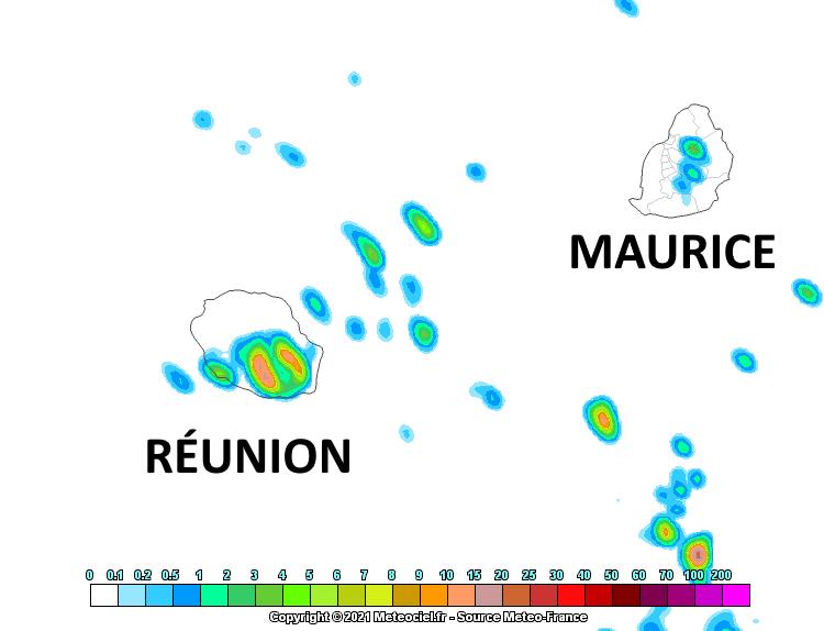 Épisode pluvieux probable en fin de nuit de Mercredi à Jeudi et en début de matinée sur le Sud Réunionnais. Quelques averses isolées probables sur le Plateau Central Mauricien dans le même temps. Arome. Météo France. MCIEL.