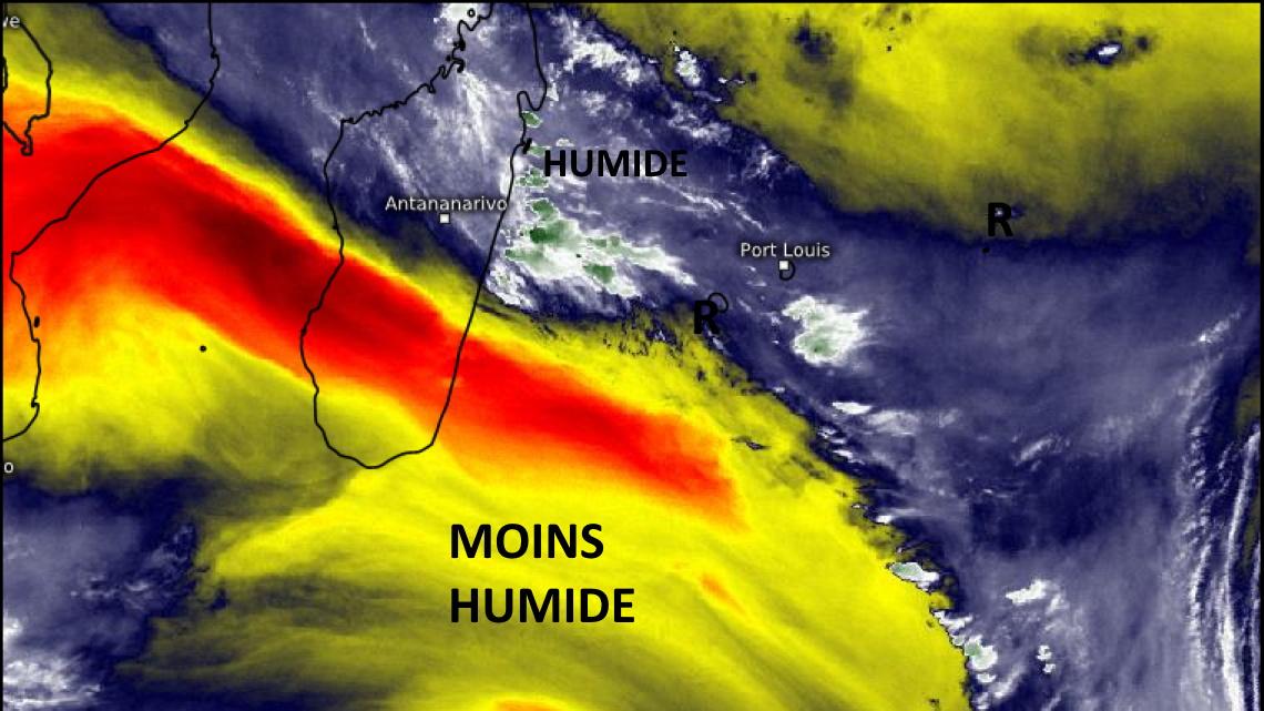 Une masse d'air sensiblement moins humide( jaune et rouge) se situe juste au Sud-Ouest des ILES SOEURS. Rodrigues de son côté connait un temps plus sec que ses grandes soeurs. La région la plus humide sur la zone se trouve au large de la côte orientale de MADA( en vert). Eumetsat.