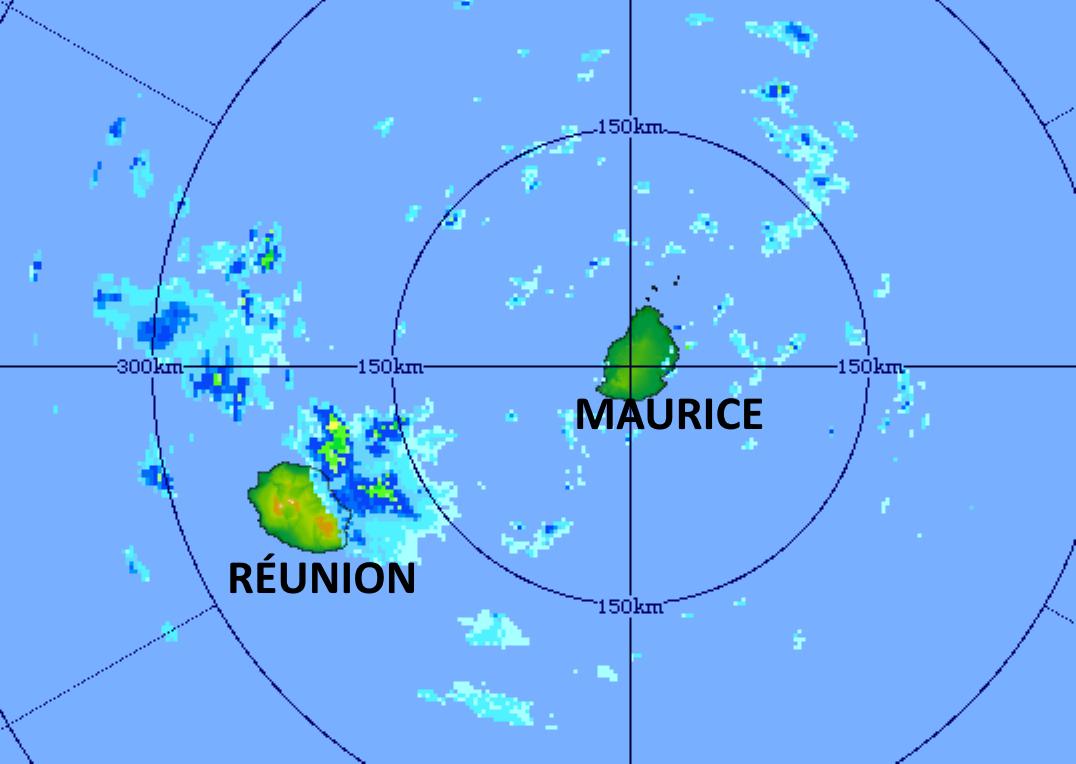 Celulles pluvio-orageuses aux portes des côtes Est de la RÉUNION ce Jeudi matin. Image du radar de Trou Aux Cerfs à 05h11. MMS/Vacoas.