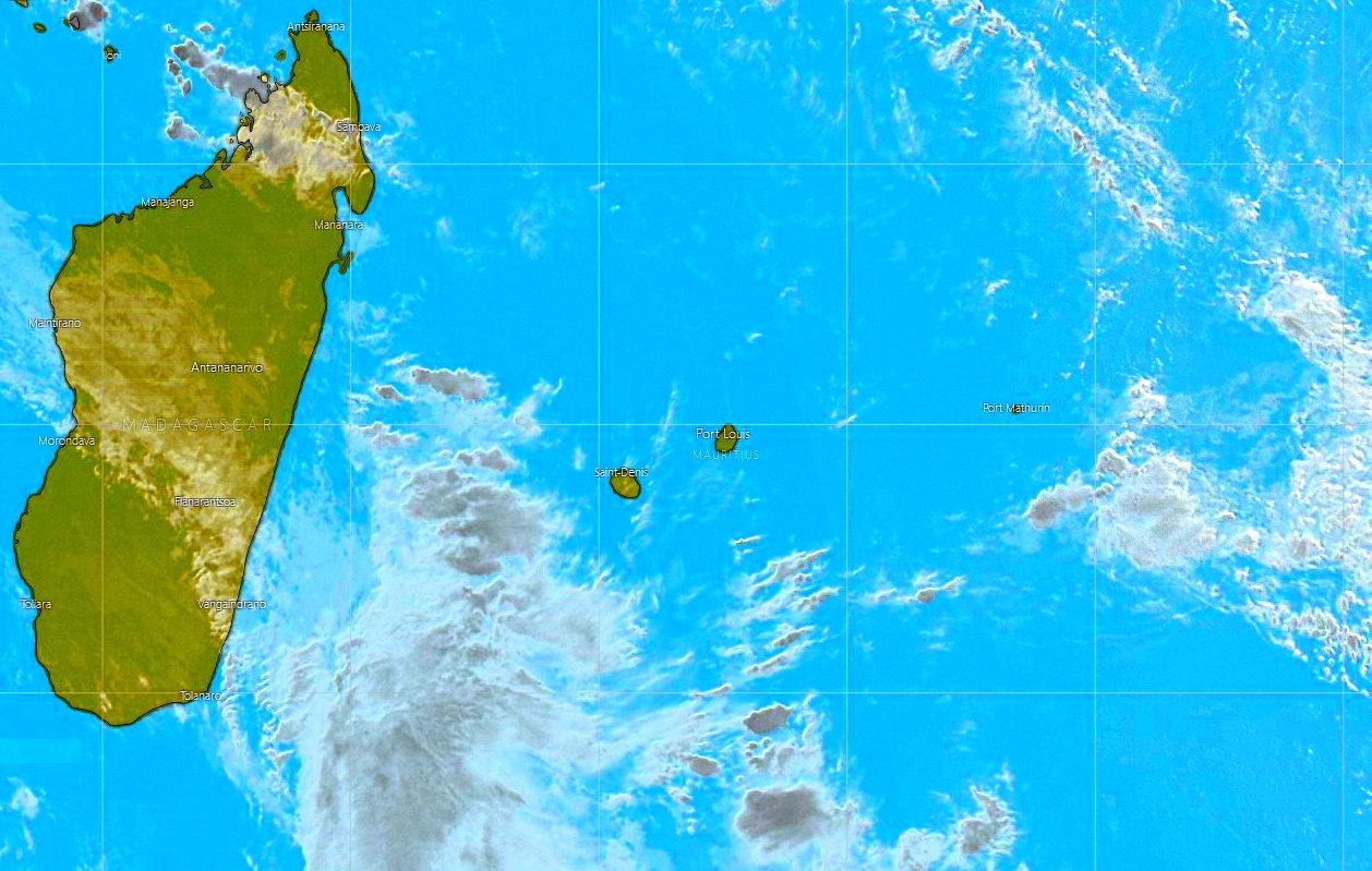 Image Météosat-8 de 6heures ce matin. La zone des Mascareignes est relativement dégagée. PH/WINDY.