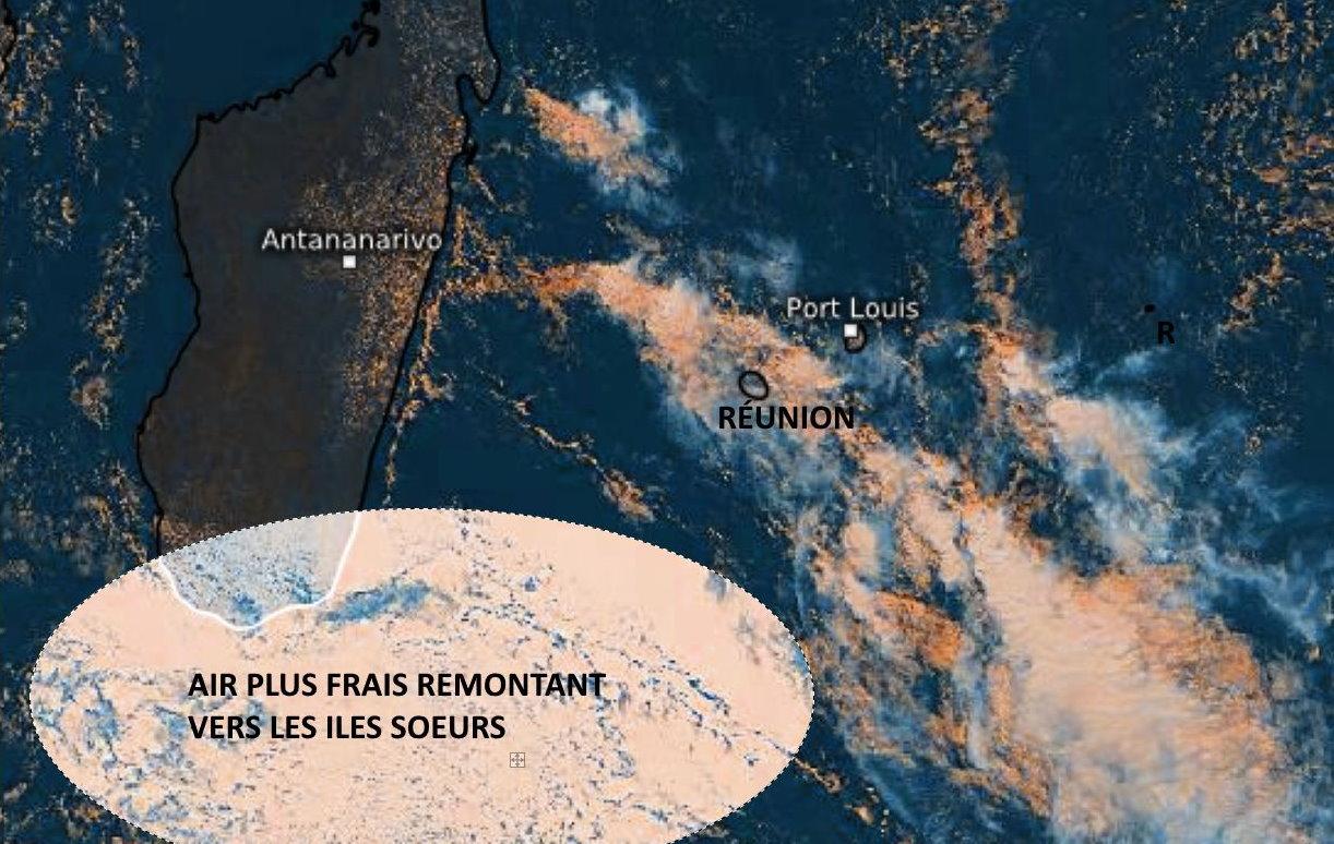 Photo satellite Météosat-8 de 11h30 ce Jeudi. Après le passage du front pluvio-orageux l'air frais s'installe temporairement sur les ILES SOEURS.Eumetsat/PH.