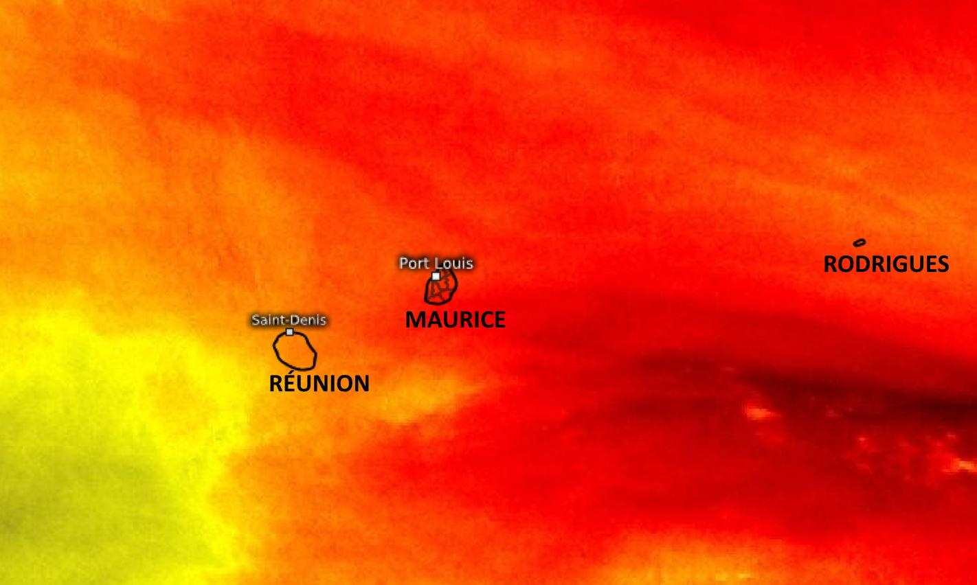 Les conditions sont sèches en altitude sur la zone des Mascareignes( jaune et surtout rouge, air stable et relativement chaud peu favorable à la convection). En basse couche on peut observer localement un peu plus d'humidité avec l'effet du relief et des brises mais cela reste marginal. WUS.