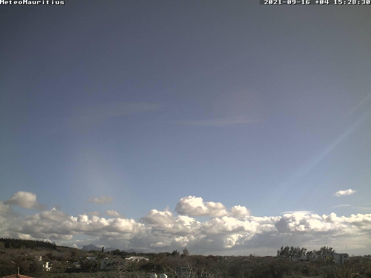 Grand soleil sur le Nord de MAURICE cet après-midi. Webcam de Petit-Raffray.Météomauritius.