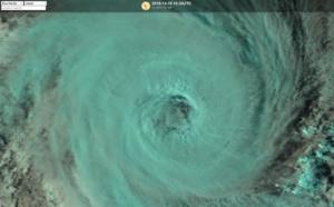 L'oeil du cyclone tropical KENANGA(06S)