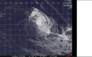 15UTC: TC SAVANNAH(19S) has been weakening rapidly in the middle of the South Indian Ocean