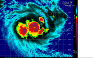 15UTC: SOUTH INDIAN: TC VERONICA(21S) intensifying rapidly next 48hours north-west of Western Australia