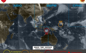 2PM(PH), 06UTC:  90W near Palau: no longer suspect . 92W: models less aggressive but area still under close watch