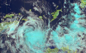 Timor Sea: Cyclone LILI(26S) is weakening, maybe quickly next 12/24hours