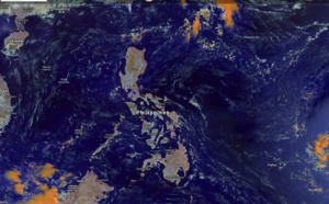 Calm and dry over the Philippines. Nice frontal system over southwestern Australia