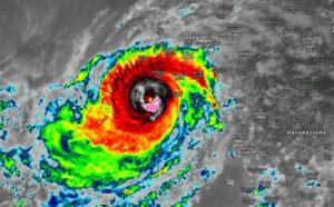 Le cyclone VAYU avec des rafales de 200km/h est traqué sur l'Océan Indien Nord
