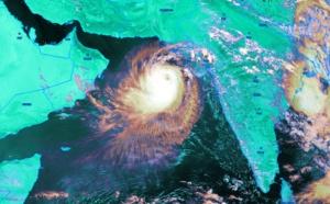 [Océan Indien] le cyclone VAYU a encore plutôt fière allure pour le moment
