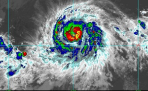 Hurricane BARBARA(02E) is now sporting an eye and should be intensifying rapidly next 36hours
