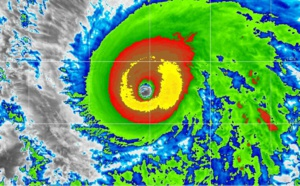 Super Hurricane BARBARA(02E) peaking as a strong category 4 US but far from any land