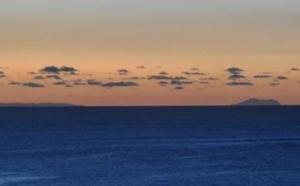 La Réunion vue depuis Maurice: Explications