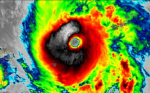 Category 4 Lingling passed over Miyakojima: 212km/h gust and 940.5mb reported. 14W: update