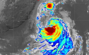 Tapah(18W) intensifying to Typhoon intensity within 24h, close to Jeju in 48h