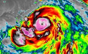 Le Super Typhon Hagibis(20W) capturé par le satellite japonais Himawari. L'oeil est lu à +14° et les sommets qui l'entourent affichent des températures particulièrement froides parfois inférieures à -80°. CIRA