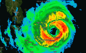 Powerful Typhoon Kammuri(29W), cat 4: tracking over Legazpi at 02/16UTC