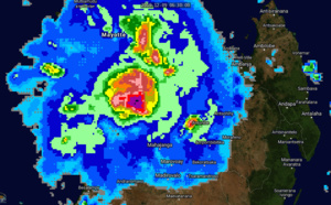 TC 02S(BELNA) making landfall near Soalala/Madagascar within 12h as a Cat1/2