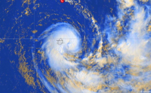 05S(CALVINIA) intensifying close to Mauritius/ 04P(SARAI): slowly weakening west of Tonga