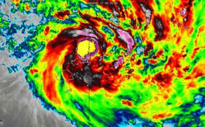 TC 08P(TINO), extremely intense convection, tracking less than 100km to Lambasa/Fiji