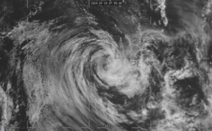 TC 22S(HEROLD): still assessed as a 40knots cyclone at 19/06UTC