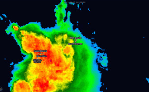 ILES SOEURS: nuit très agitée à la RÉUNION, pluies localement orageuses et rafales probables à MAURICE ces prochaines 12heures