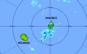 ILES SOEURS: Maurice: des averses orageuses encore entre 7 et 10h, près de 100mm en 24h, tendances pour Mardi et Mercredi