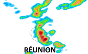 ILES SOEURS: une ligne d'instabilité traverse MAURICE et s'active dans l'Est de la RÉUNION la nuit prochaine, 09/04 17h30