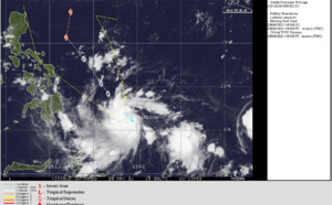 WNP: TD 04W is forecast to reach US/CAT 1 Typhoon intensity by 72hours offshore to the East of the Philippines, 30/03utc update